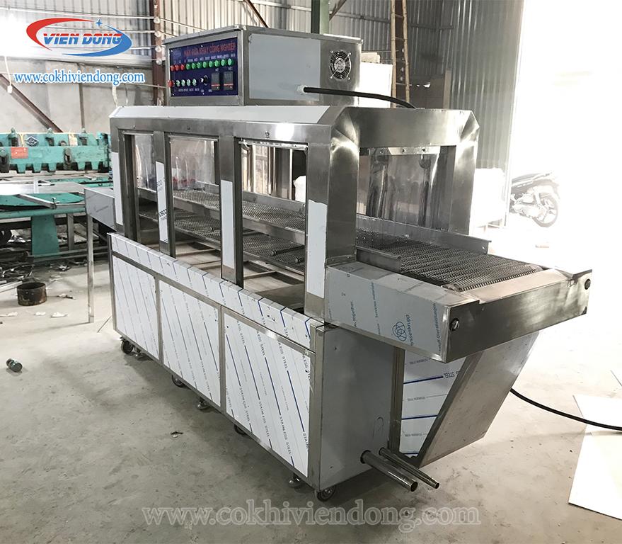 máy rửa khay công nghiệp