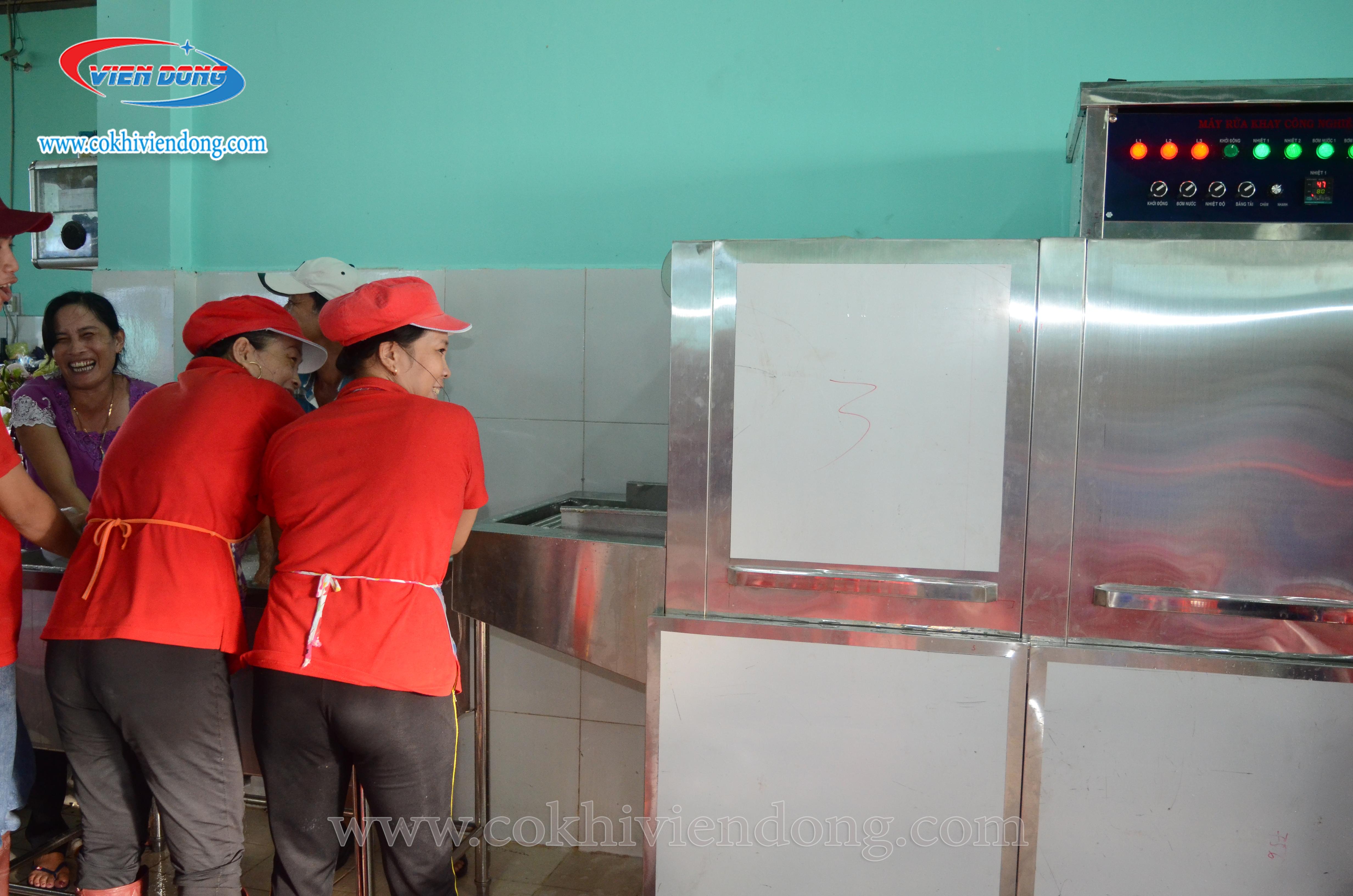 máy rửa bát cho nhà hàng