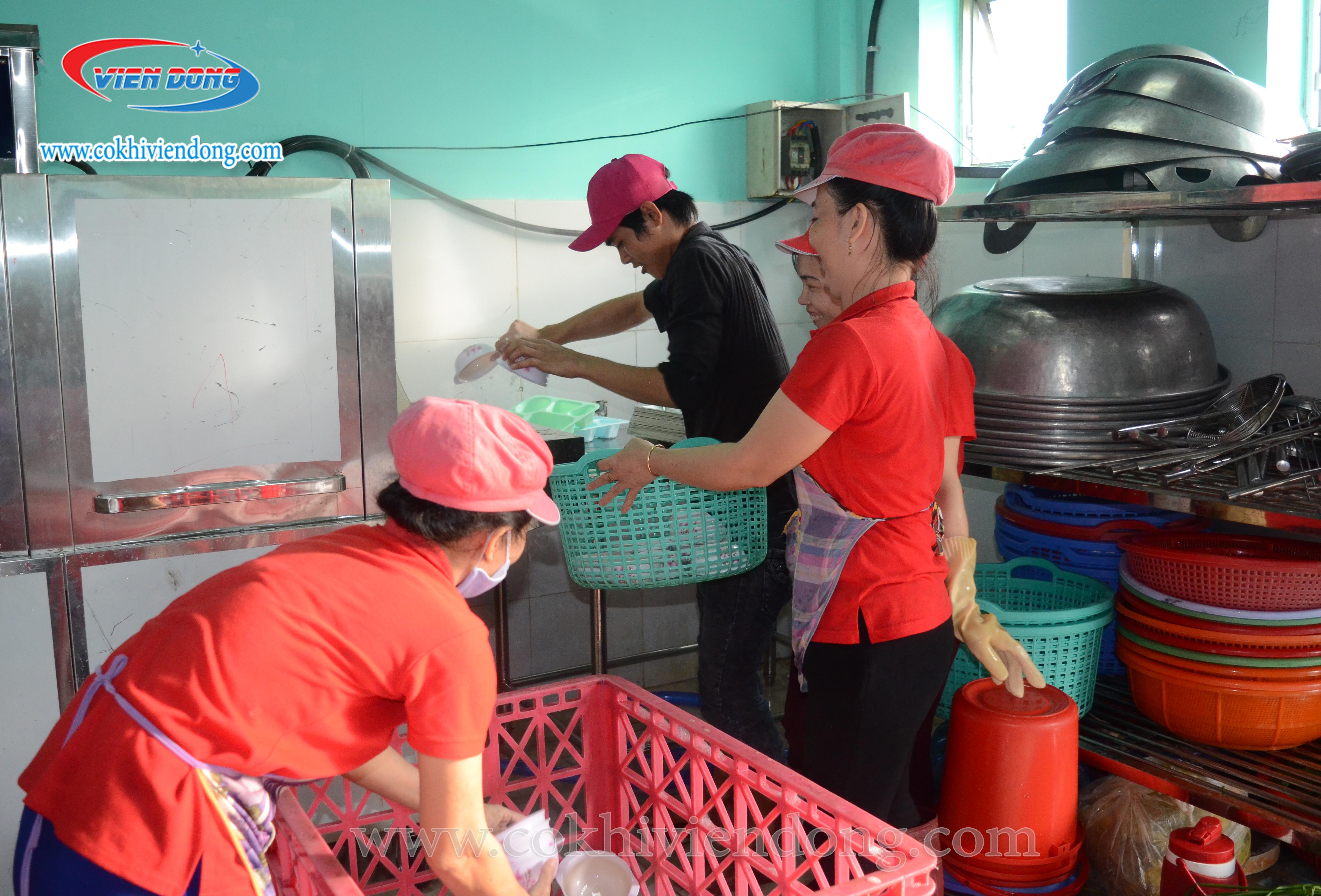 máy rửa bát cho nhà hàng1