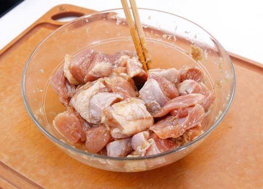 Cách ướp vịt nấu chao